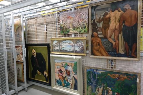 Rangement d'œuvres d'art