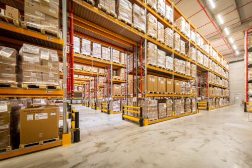 Stockage de palettes en entrepôt