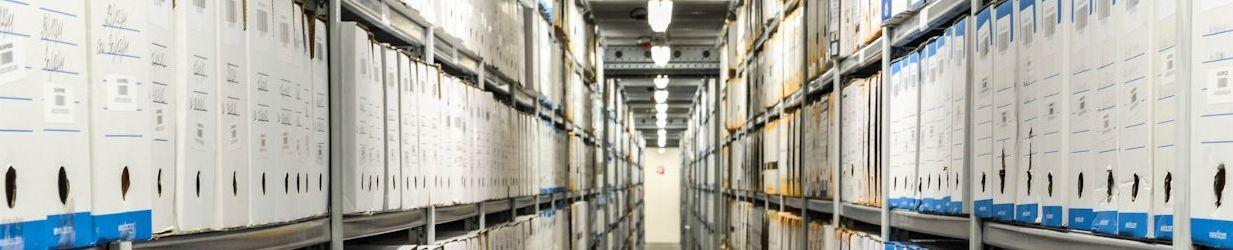 stockage de boîtes d'archives